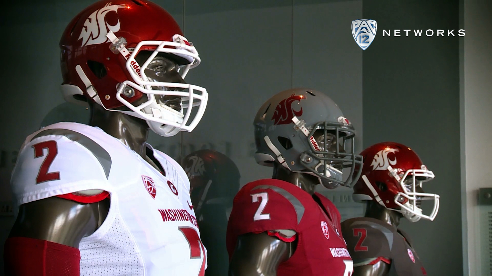Washington State's Darryl Monroe gives tour of new football complex | Pac-12