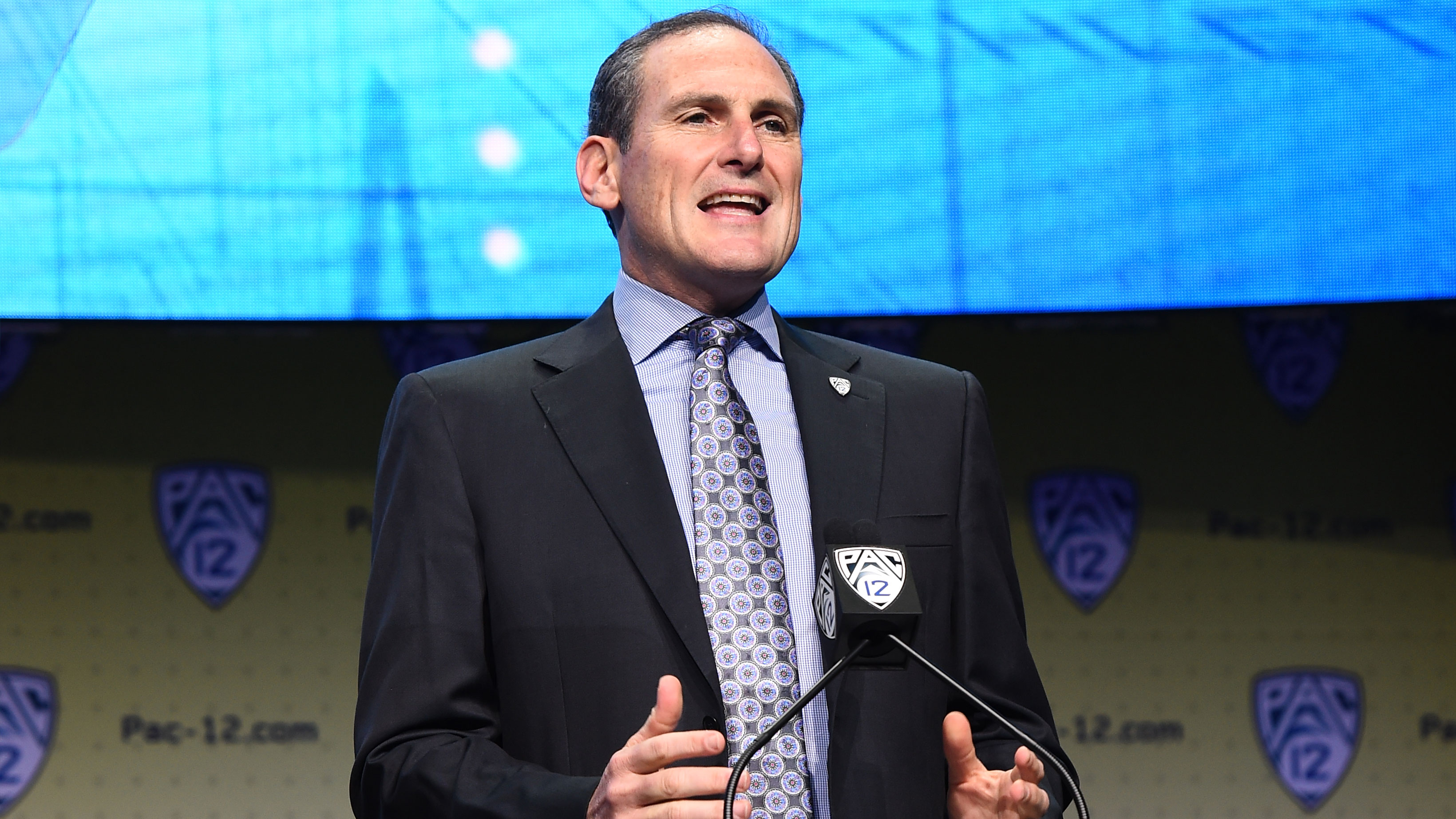 2017 05 kickoff time for national championship game - 2017 Pac 12 Football Media Days Larry Scott Announces Title Game To Stay At Levi S Stadium Through At Least 2019