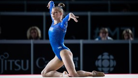 Jade_Carey_2_John_Cheng_USA_Gymnastics_cropped.jpg