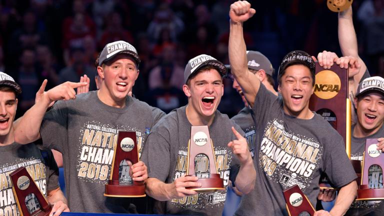 National_Championship_Team_Photo_Della_Perrone_Illinois_Athletics_10_.png