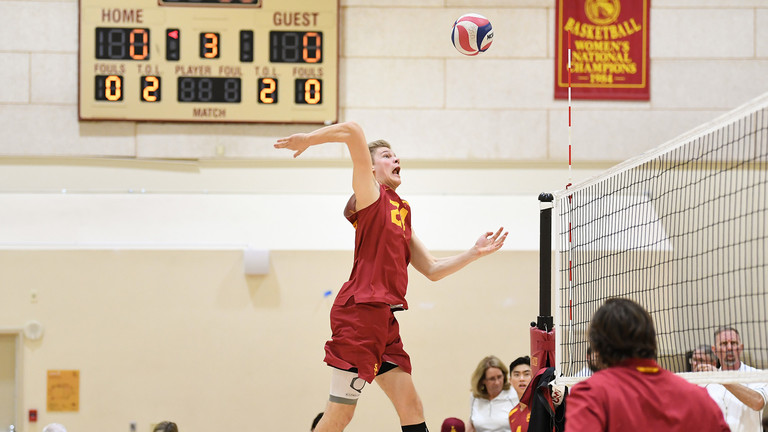 simon_gallas_usc_trojans_m_volleyball.jpg