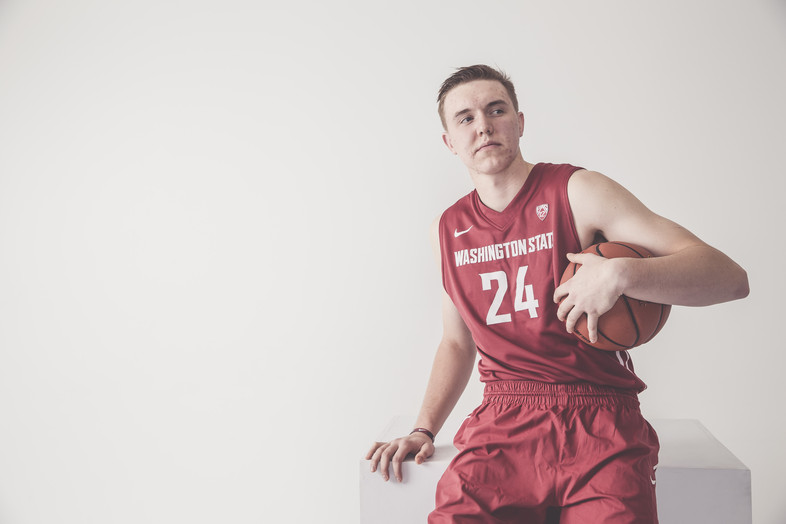 Washington State's Josh Hawkinson