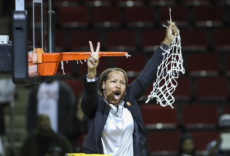 Photos: USC celebrates 2014 Pac-12 Women's Basketball Tournament Championship win