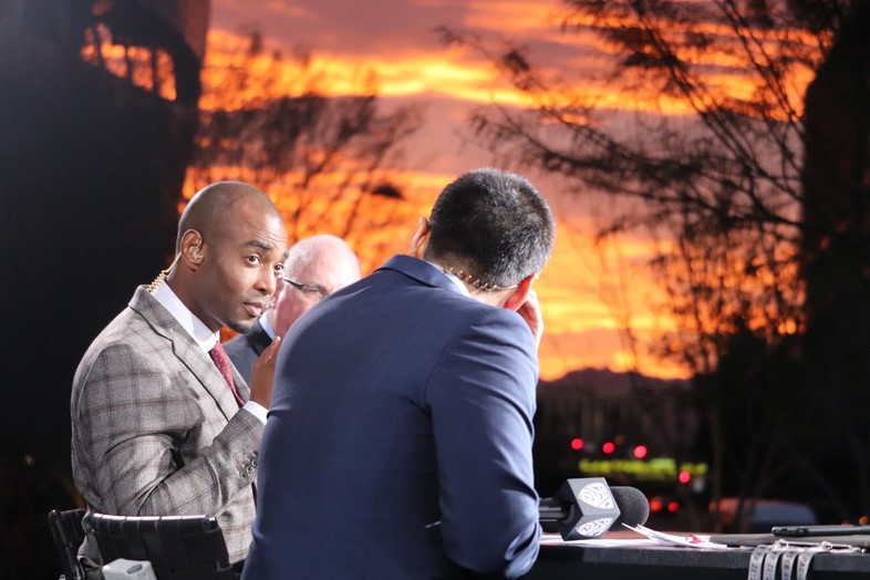 Lamar Hurd (center) talks with Pac-12 Networks analysts Mike Yam and Kevin O'Neill.