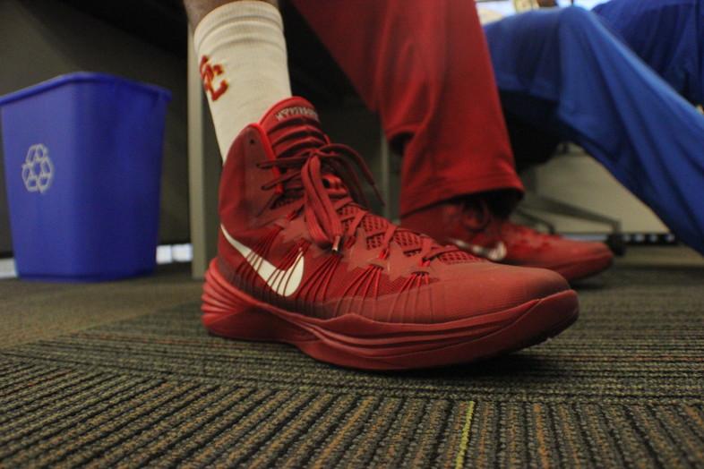 <p>USC senior guard J.T. Terrell's Nike kicks.</p>