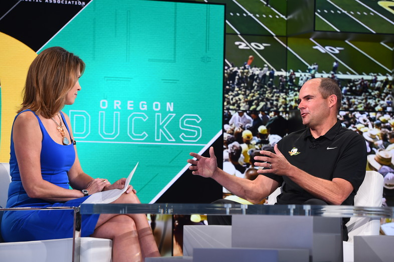 Oregon head coach Mark Helfrich breaks down the X's and O's on set at ESPN in Bristol, CT.