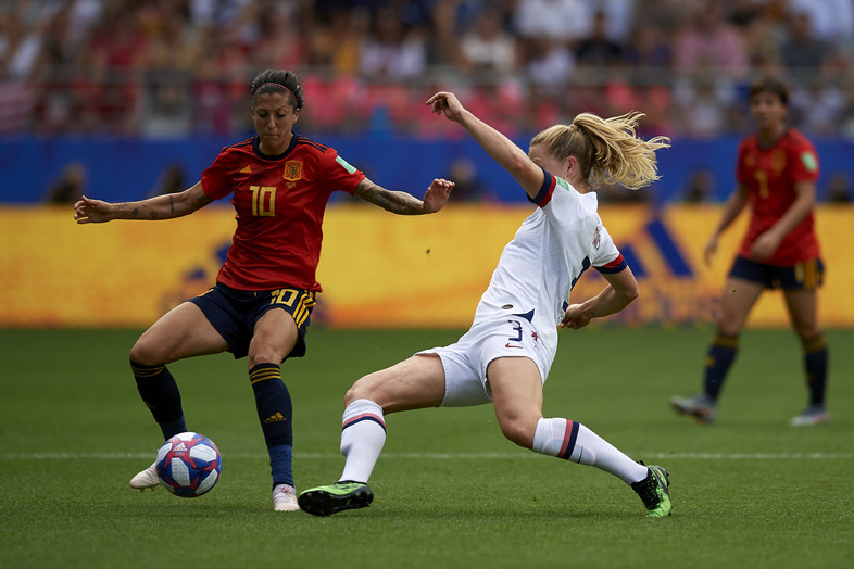 Samantha Mewis of United States competes for the ball during the 2019 FIFA Women's World Cup France Round Of 16 match between Spain and USA at Stade Auguste Delaune on June 24, 2019 in Reims, France.