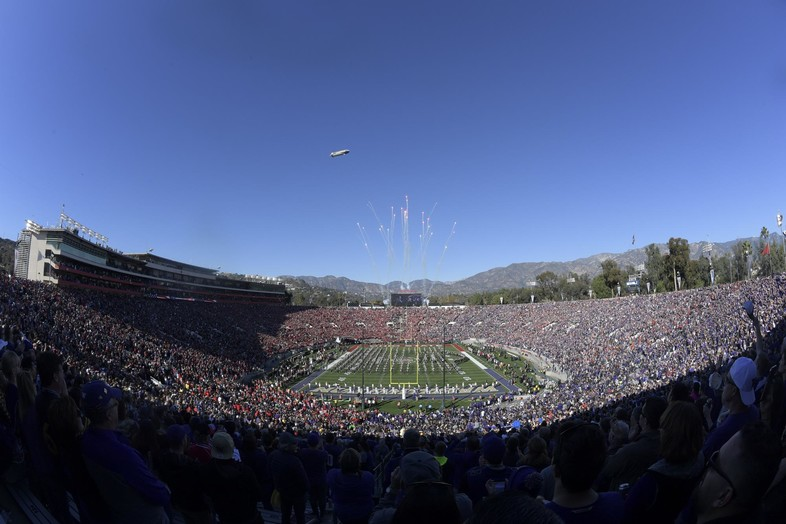 Panoramic view of the Rose Bowl ahead of Washington's meeting with Ohio State.