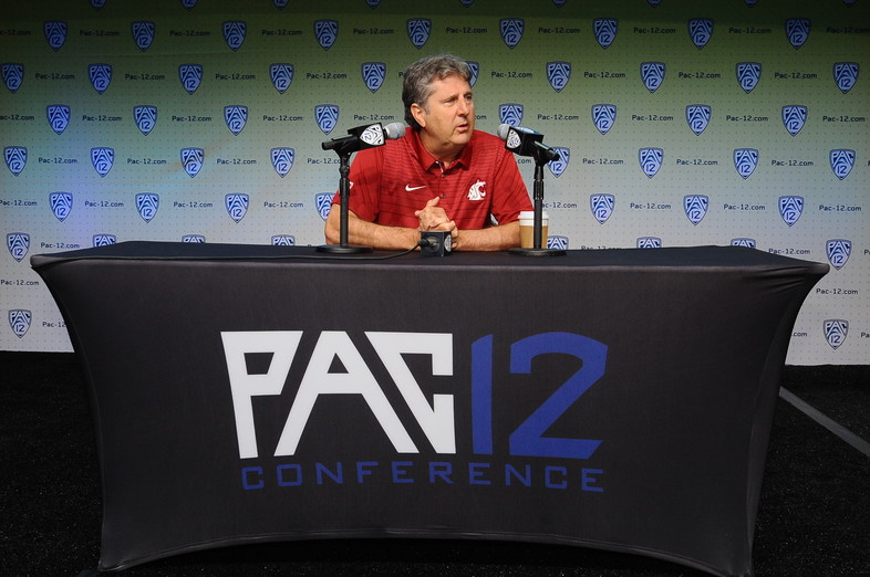 <p>Washington State head coach Mike Leach</p>