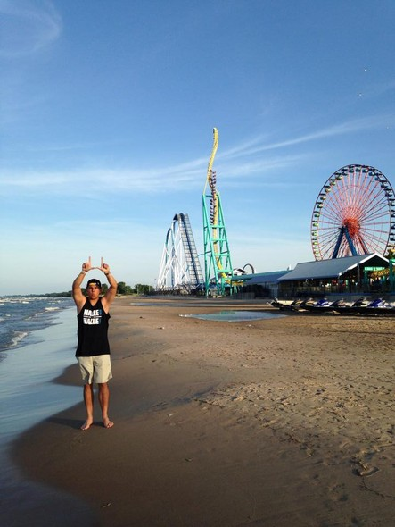 Throwing up the U at Cedar Point.