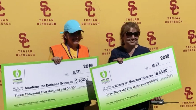 USC joins in Extra Yards for Teachers Week