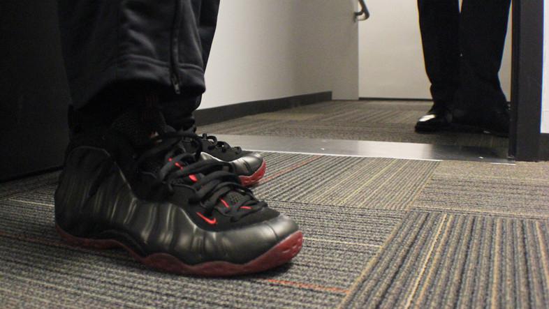 <p>Washington State Cougars junior guard DaVonte Lacy's Nike kicks.</p>