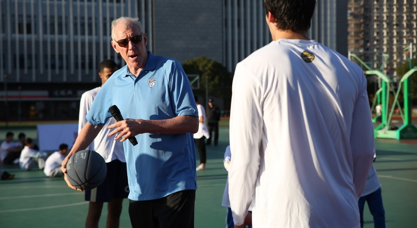 2017 Pac-12 China Game: Bill Walton helps lead kids basketball clinic in Shanghai