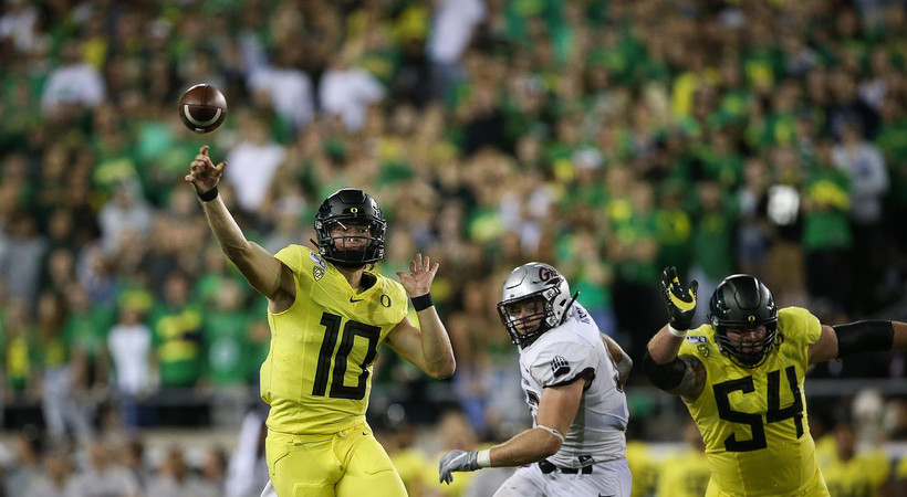 No. 15 Oregon football dominates Montana, Herbert throws for five TDs