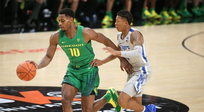 Highlights: No. 14 Oregon men's basketball takes down No. 13 Memphis in Portland