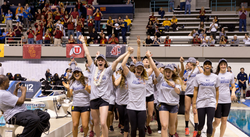USC women's swimming family mentality helps propel them to 2016 Pac-12 title