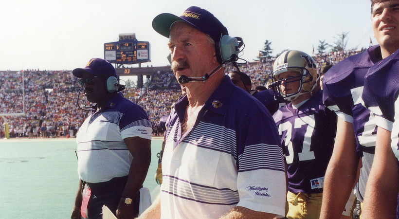 Former UW head coach Jim Lambright Passes Away At Age 77 (GoHuskies.com)