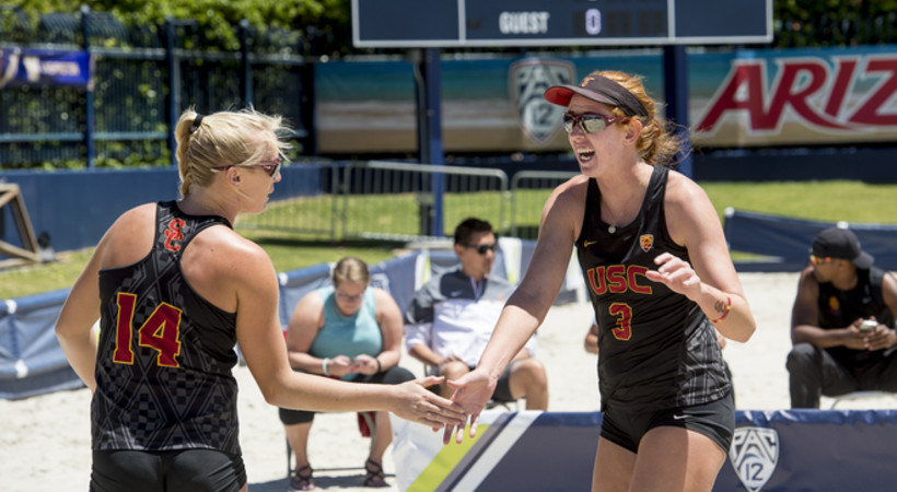 USC's Kelly Cleas and Sara Hughes