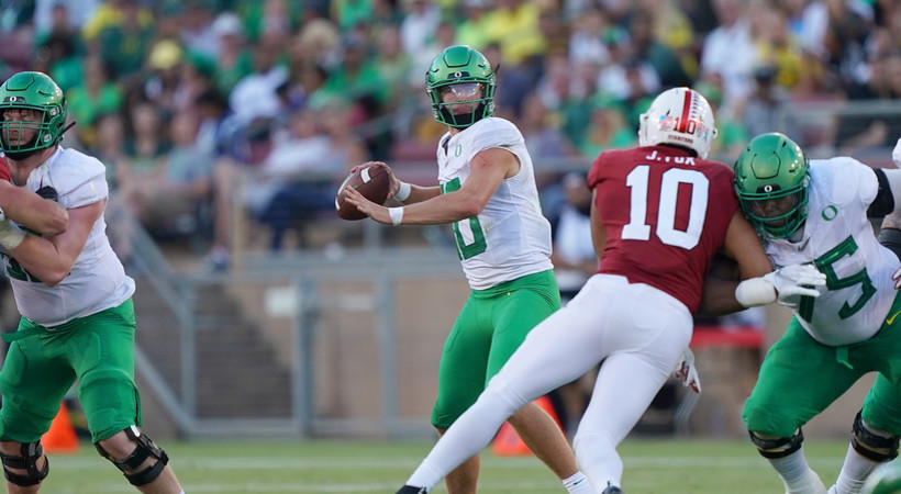 Highlights: No. 16 Oregon football takes down Stanford behind Justin Herbert's three touchdown passes