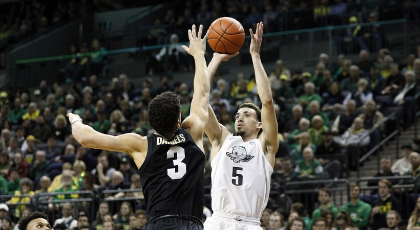 Oregon leads three Pac-12 teams in AP Top 25 (apnews.com)