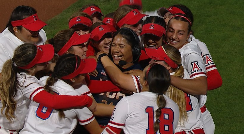 Current Wildcats pile into former Arizona catcher Dejah Mulipola's interview after Team USA exhibition