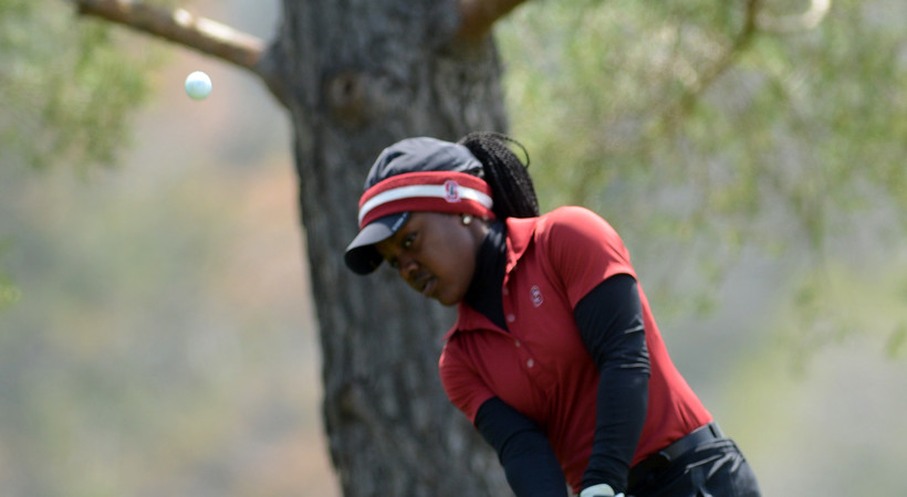 Mariah Stackhouse nails flagstick at Pac-12 Women's Golf Championship
