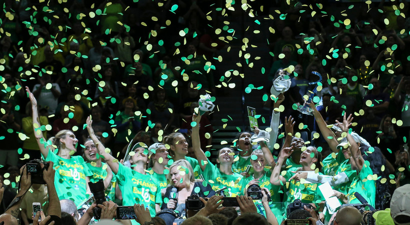 2020 Pac-12 Women's Basketball Tournament: Oregon hoists the Pac-12 trophy after 89-56 victory over Stanford