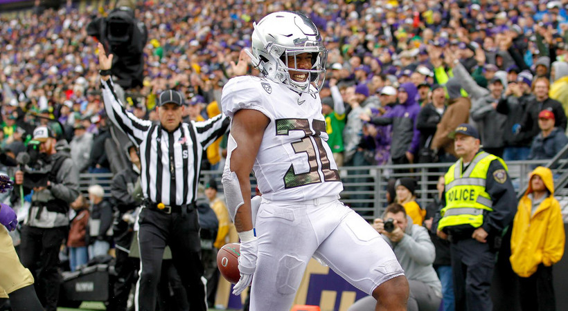 Highlights: Late touchdown seals No. 12 Oregon football's rivalry win over No. 25 Washington