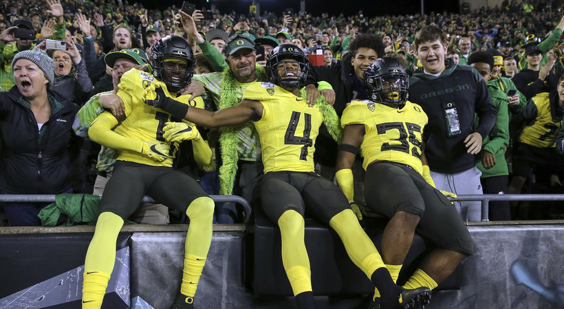 Highlights: Herbert shines as No. 6 Oregon football clinches Pac-12 North with win over Arizona