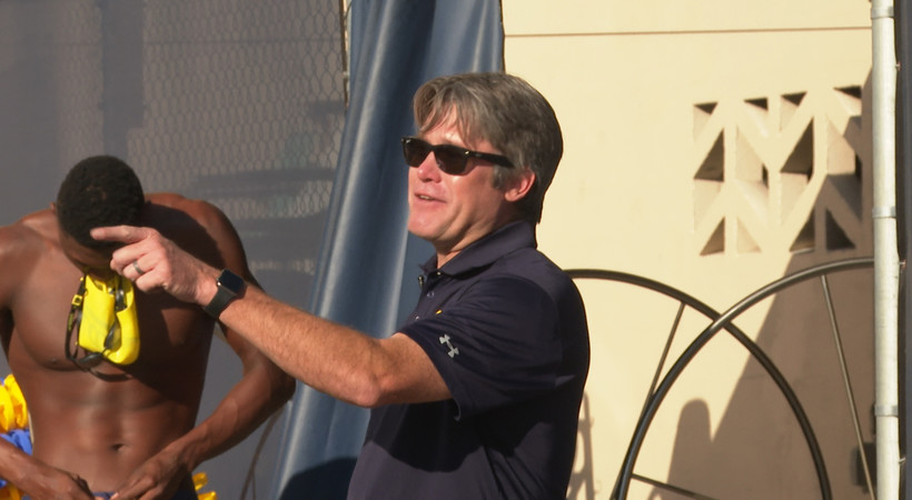 Cal men's swimming head coach Dave Durden gets mic'd up for practice, talks Olympic 'prep year'