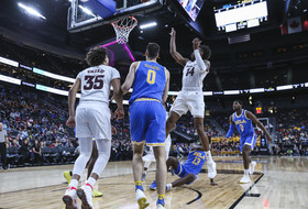 2019 Pac-12 Men's Basketball Tournament: Kimani Lawrence fumbles before draining deep 3-pointer heading into halftime