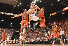 2014 Pac-12 Men's Basketball Tournament second round: No. 1 Arizona routs Utah