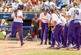 Women's College World Series: Washington advances to championship series; Florida State eliminates UCLA
