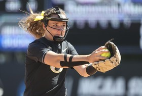NCAA Softball Championships: Oregon one win away from advancing; 5 Pac-12 teams victorious