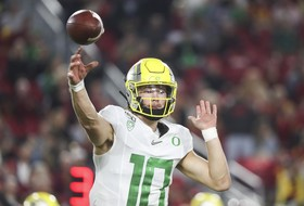 Oregon football prepares for bounce back matchup against Oregon State in Civil War meeting on Saturday