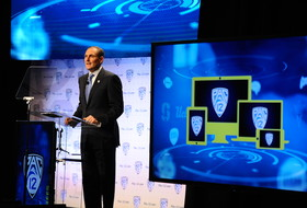 Pac-12 CEO Group extends contract of Commissioner Larry Scott through 2022