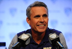 2016 Pac-12 Football Media Day: Washington's Chris Petersen not concerned with preseason hype