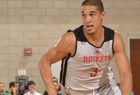 Roundup: Nick Johnson throws it down at Summer League