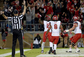 Utah's Kenneth Scott catches game-winning touchdown to beat Stanford