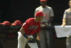 Highlight: Arizona baseball's bases-loaded double play helps Wildcats stay alive in NCAA Regional