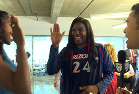 2015 Pac-12 Women's Basketball Media Day: Niya Butts, LaBrittney Jones bear down for Media Day