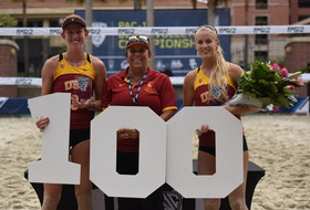 USC's Kelly Claes and Sara Hughes cap off perfect season with 2016 Pac-12 beach volleyball pairs championship win