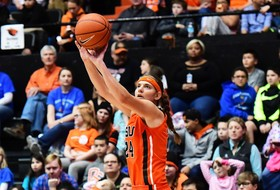 Roundup: Oregon State's Sydney Wiese nearing Pac-12 3-point record
