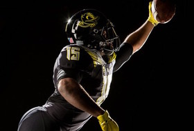Pac-12 uniform watch: Oregon electrifies Puddles, ASU goes gray in Territorial Cup