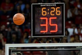 Roundup: NCAA proposes shot clock change, 4-quarter format for women