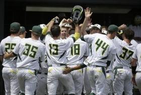 Highlights: Oregon stops Clemson in NCAA regional opener