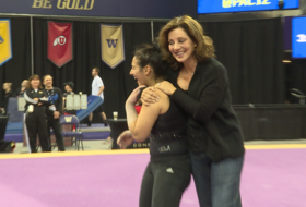 Highlight: UCLA freshman Nicki Shapiro slays teammates with her dance moves at 2016 Pac-12 Women's Gymnastics Championships practice session