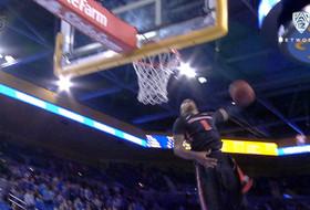 Highlight: Gary Payton II windmill dunk seals Oregon State win over UCLA