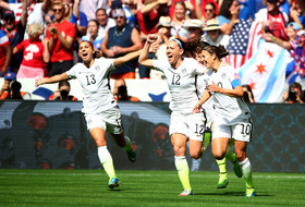 Eight from Pac-12 hoist 2015 FIFA Women's World Cup for Team USA