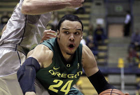 Roundup: Oregon boosts NCAA tournament résumé